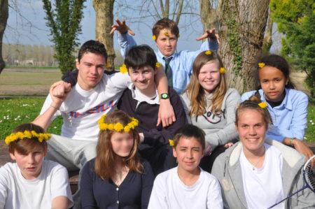 photo de groupe d'eleves au chateau Vaillant internat college lycee esport