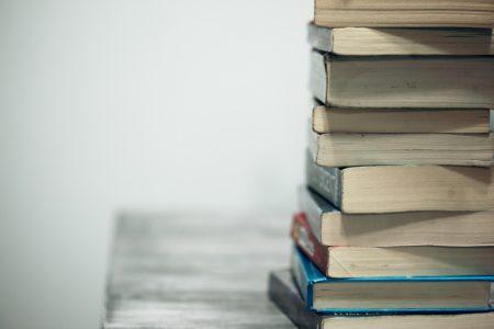 pile de livres au chateau Vaillant internat college lycee esport